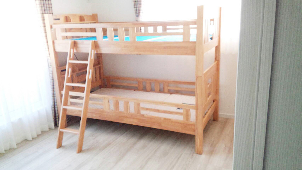 富士吉田市O様邸へソファー、ベッド、2段ベッドを納品させていただきました。
