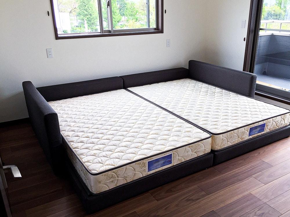 ベッドは小さなお子様のためにハグミルをお選びいただきました。